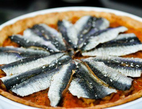 Tarta cu rosii si sardine proaspete