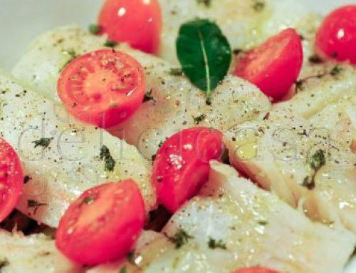 Cod cu sparanghel, rosii cherry si cimbru verde