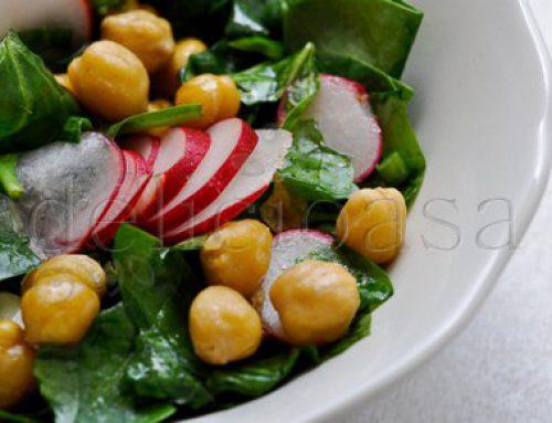 Salata de spanac & naut/fried chickpeas