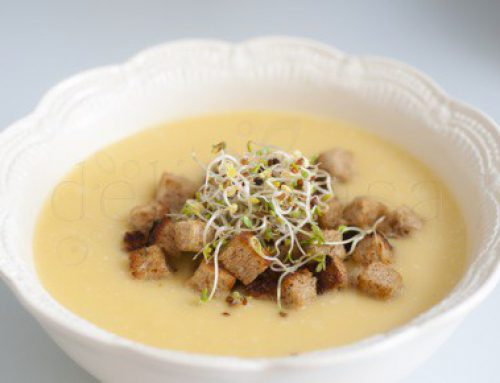Supa crema de dovleac, crutoane cu cimbru, germeni de trifoi si za'atar