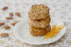 Cookies cu tahini, susan si apa de floare de portocal