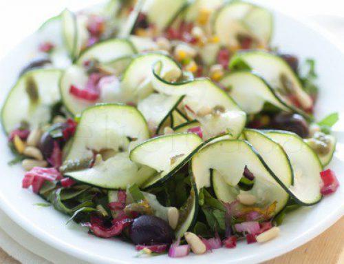 Salata mea de vara: swiss chard, zucchini & pesto de rucola
