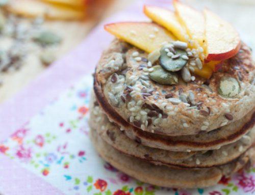Pancakes cu urda, lamaie si seminte – delicioase, aromate & sanatoase