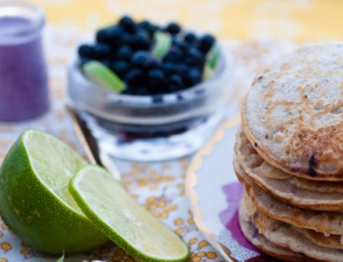Pancakes & milkshake cu afine