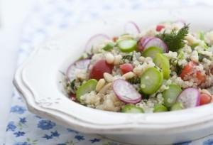 Salata de quinoa cu sparanghel