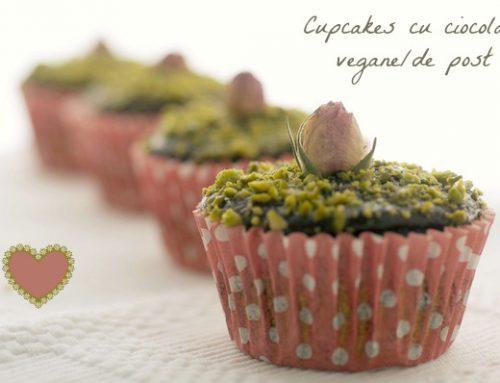 Cupcakes cu ciocolata si sfecla & La multi ani, Delicioasa.com!